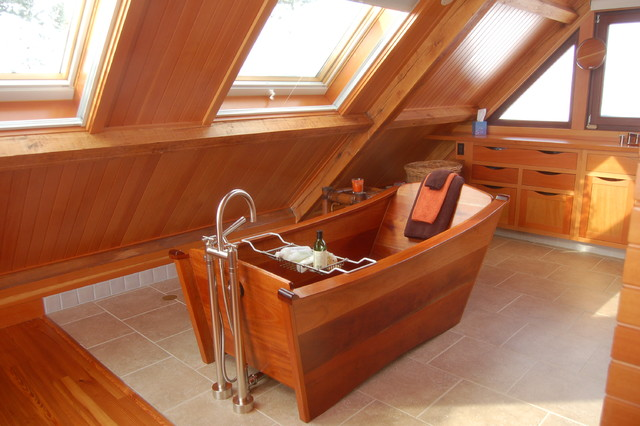 Single tub in DeepSealed Mahogany eclectic-bathtubs