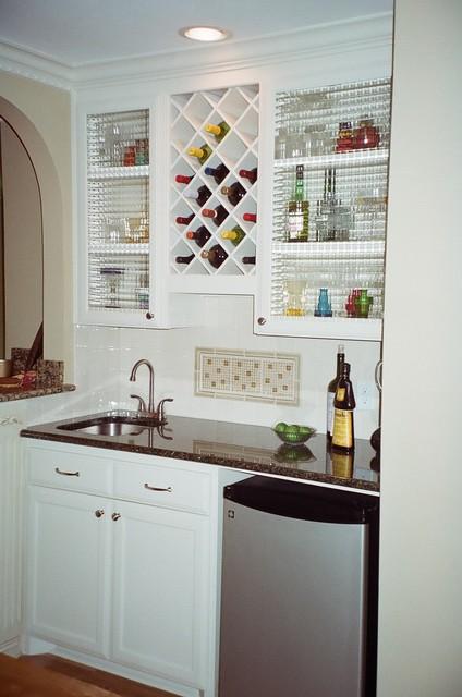 15 Stylish Small Home Bar Ideas | Hgtv, Bar and Wet bars