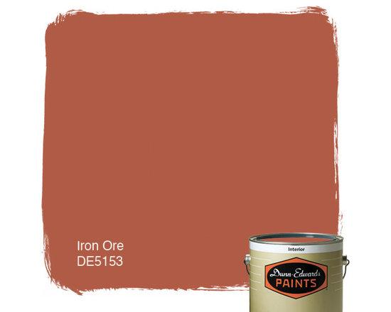 Dunn-Edwards Paints Iron Ore DE5153 -