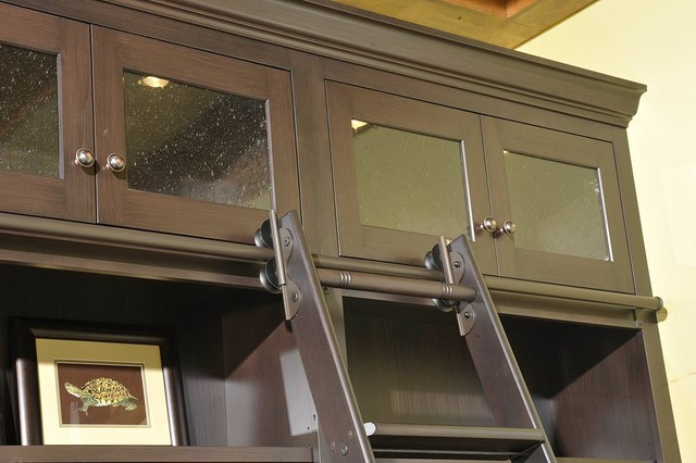 Custom Amish Cabinetry traditional