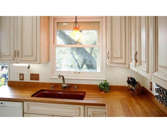 Cherry Kitchen Countertop with Sink. Designed by Bill Bagnell. 3.jpg - http://www.glumber.com/