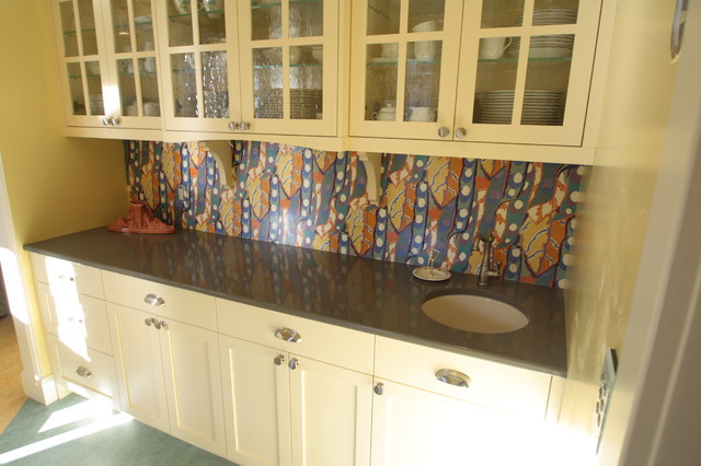 Butler pantry project traditional-hall