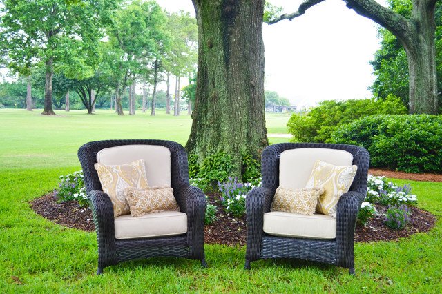 Outdoor Furniture traditional-outdoor-lounge-chairs