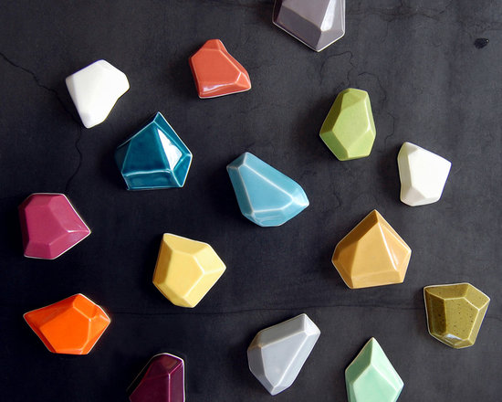 Faceted Magnets -
