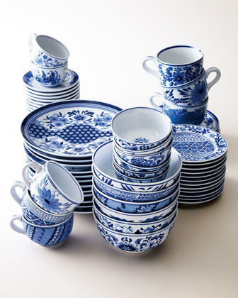 Traditional Blue & White Dinnerware traditional dinnerware