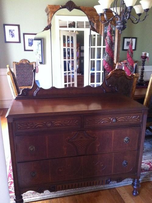 Hibriten Bedroom Furniture Set