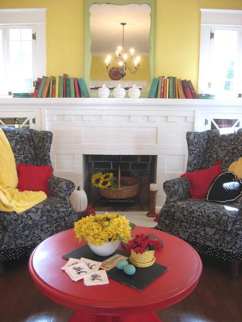 Dear Daisy Cottage- living room