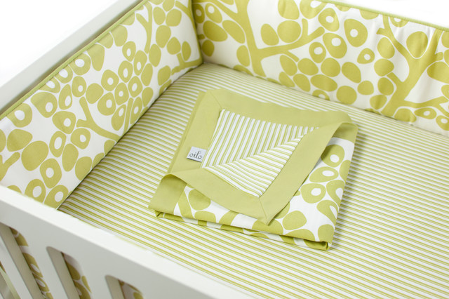 Modern Berries Bumper, Spring Green contemporary-baby-bedding