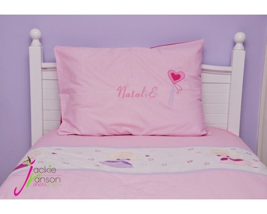 MyBedlinen - girl's twin bedding - This cute bedding set has fairies in pink and lavender dresses appliqued and embroidred , adorned with silver crowns and stars that glitter all around them.The perfect setting for dreams.