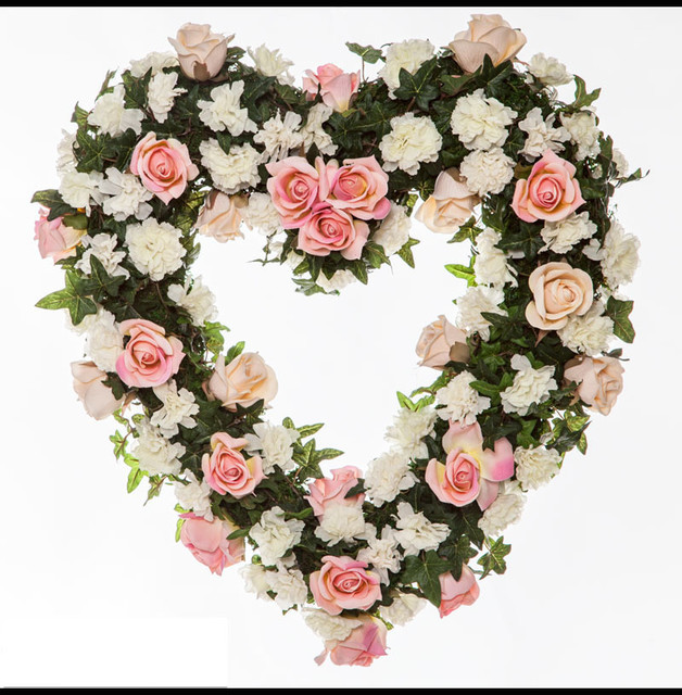 22in heart shaped rose wreath pink white traditional san diego