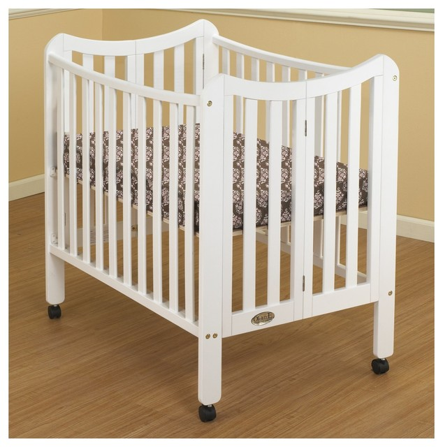 Baby cribs on wheels multipurpose wooden baby crib with for Baby bed with wheels