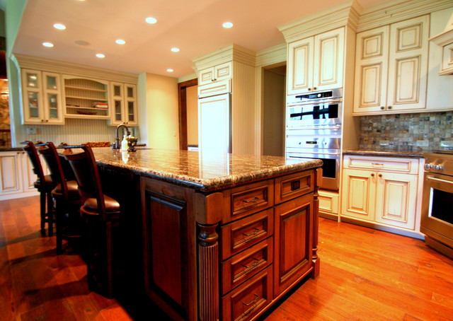 952 Gold Run Road traditional-kitchen