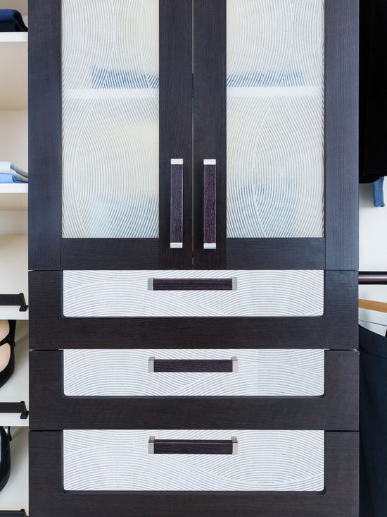 Same Organizational Plan 3 Different Looks - Lovely over sized hardware accented with specialized glass inserts.
