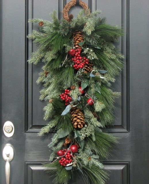 Decorating Ideas > Christmas Wreaths For Holiday Decorating  Traditional  ~ 010647_Christmas Decorating Ideas Houzz