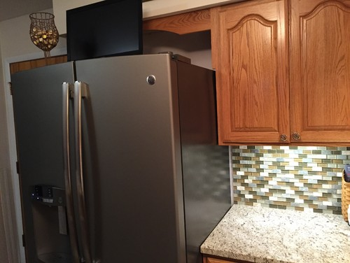 Backsplash behind fridge?