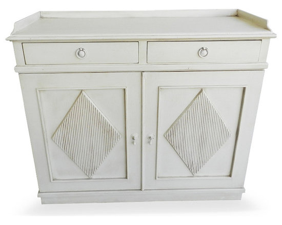 Gustavian Cupboard - Coming Soon to the website!  Email or Call Charlotte & Ivy for faster information.