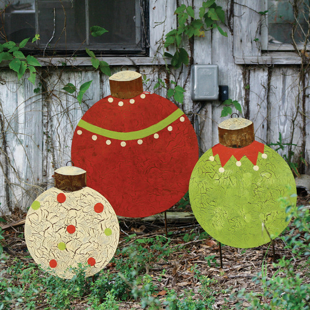 Christmas ball yard stakes set of 3 traditional for Professional outdoor christmas decorations