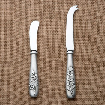 Beehive Berry Cheese Knife & Spreader modern-tabletop