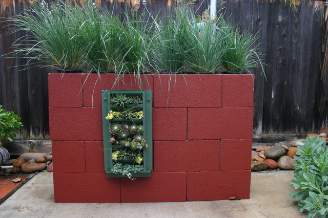 Succulent Wall for Del Mar Home Garden Show 2012 eclectic-outdoor-planters