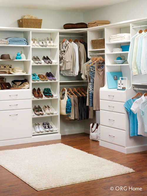 Women 39 s whispers how do you organize your clothes closet for How do you organize your closet