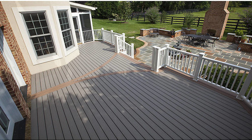 before and after crisp and clean deck makeover featuring trex