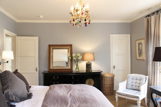 Unconventional ideas for bedroom lighting apartment for Bedroom design apartment therapy