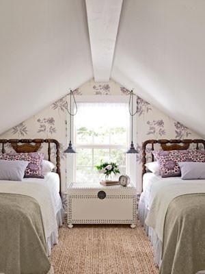 Attic bedroom traditional