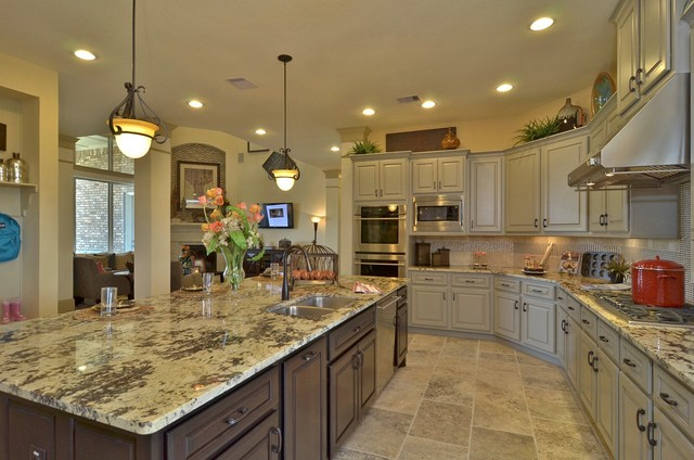 The Calsin Traditional Kitchen Houston By David