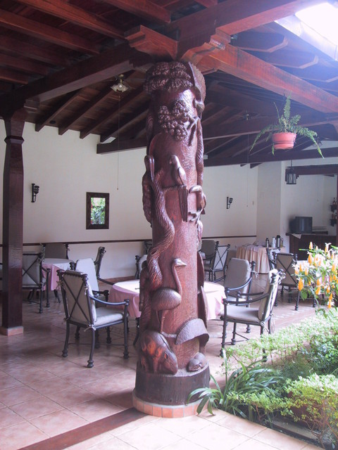 wood sclptured columns tropical-outdoor-products