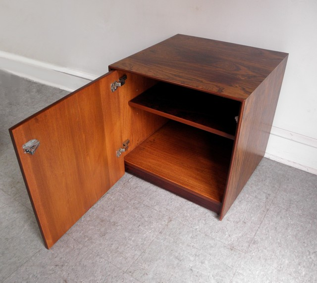 Mid Century Modern Storage Cube End Table (open)