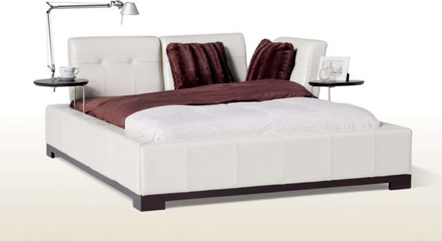 How Big Should My Room Be for a King Size Bed?