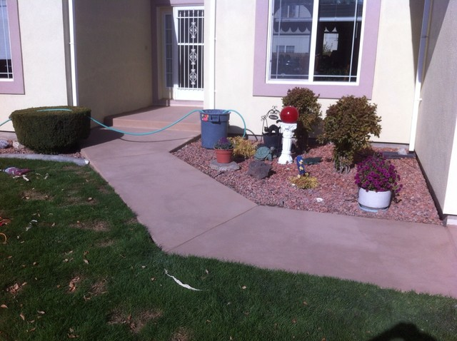 Leggari concrete overlay over exposed aggregate driveway traditional
