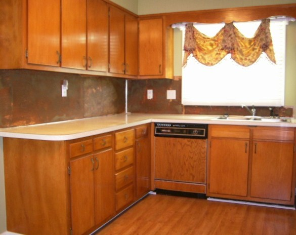 Refacing Before Photo - Traditional - other metro - by Kitchen Tune-Up - Blountville