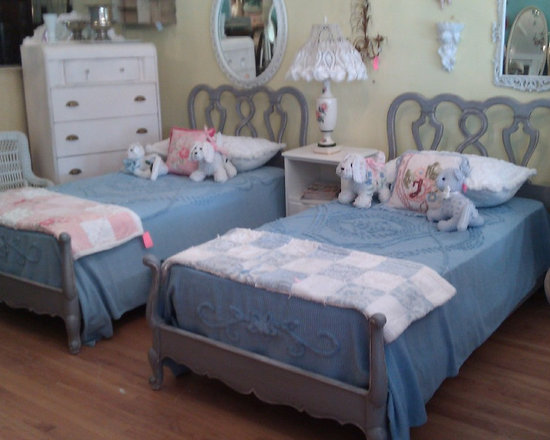 vintage french gray twin bed pair matching distressed single frames - matching twin bed frames french gray distressed www.vintagechicfurniture.com