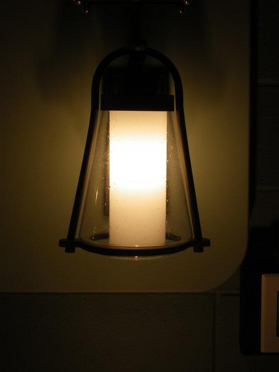 IMGP0200.JPG - Made in USA Hubbardton Forge Outdoor Wall Lantern