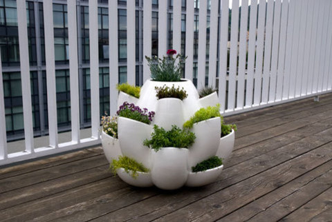 Design Night · Nature planter modern-outdoor-pots-and-planters