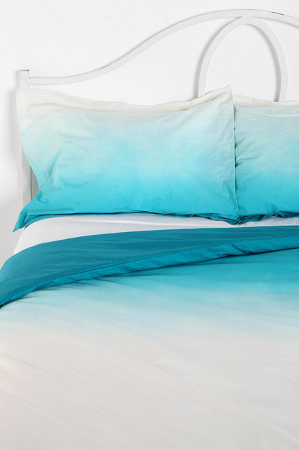 Magical Thinking Gradient Sham, Blue contemporary shams