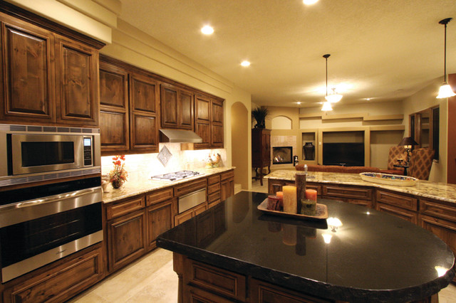 Southwest style southwestern kitchen albuquerque for Southwest home builders