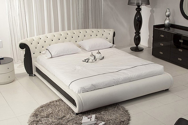 Platform Bed with Tufted Headboard 640 x 426