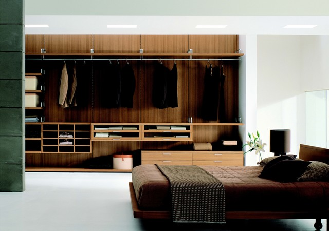 Walk in closets armoires designer modern bedroom for Modern furniture nyc