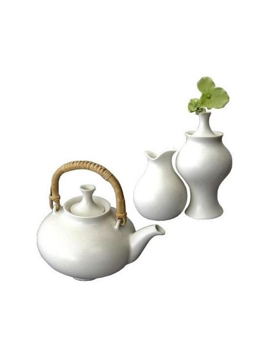 Eva Zeisel Teapot by Klein Reid -