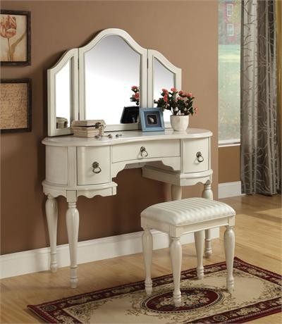White MaKeup Vanity Table   Traditional   Bedroom   Makeup Vanities. Makeup Vanity Table   Interiors Design