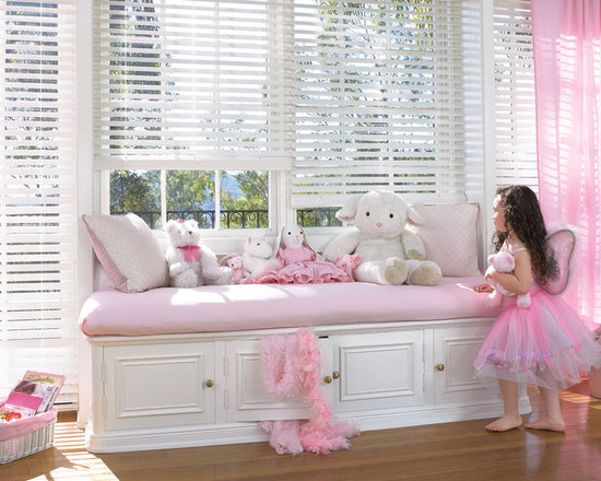 Hunter Douglas - Hunter Douglas® Everwood Faux Wood Alternative Wood Blinds - Hunter Douglas Faux Wood Blinds with LiteRise are perfect for a Kids Bedroom. Don't worry about cords anymore. Guaranteed not to yellow, warp, or bow for the lifetime of the blind.