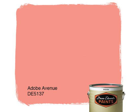 Dunn-Edwards Paints Adobe Avenue DE5137 -
