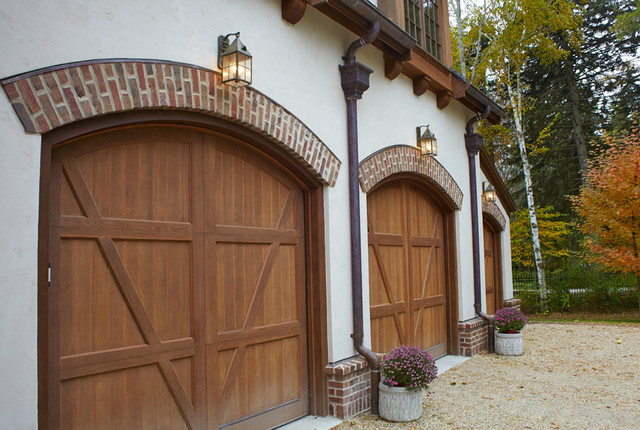 Exterior garage lighting traditional outdoor wall for Exterior garage lights