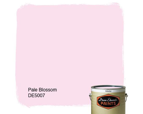 Dunn-Edwards Paints Pale Blossom DE5007 -