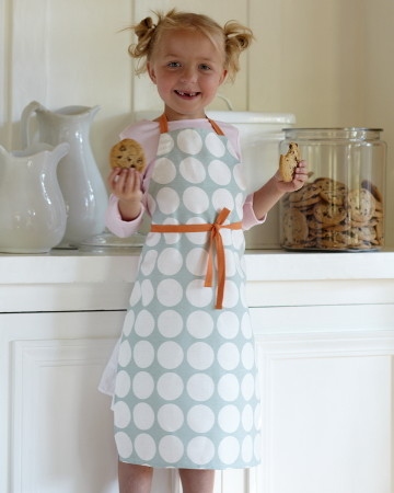 contemporary aprons by Studiopatro