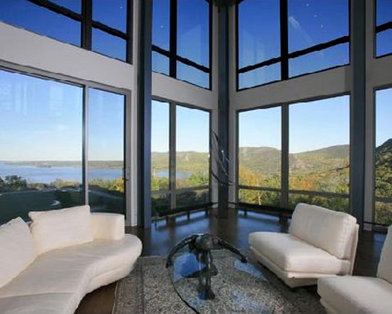 Dynamically Adapting Residential Glass - SolarSmart is a self-tinting, high performance glass that darkens in the presence of direct sunlight to block heat, glare and damaging ultraviolet light.