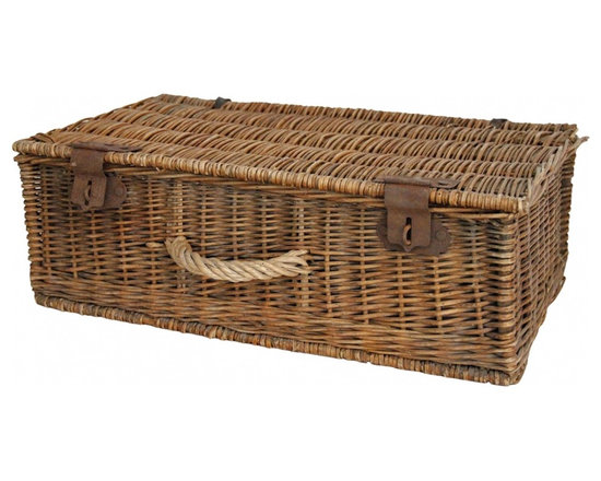 20th.Century picnic basket - Antique picnic discovered in France, with metal latches and leather lid straps. Inside of lid is an original attached paper reading the once contents in french handwriting. Linen lining, wear commensurate with age, showing desirable signs of a time worn piece.