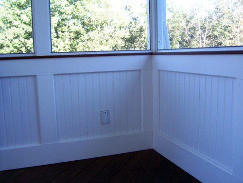 Screen rooms with bead board knee wall traditional for Building a screen room